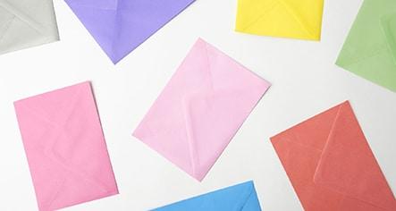 Sobres impresos en papel de color
