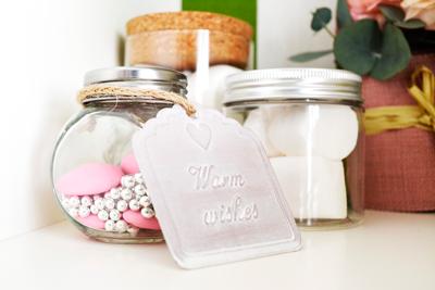 Detalles de boda con etiquetas